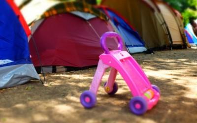 Campement de migrants au Sanitas: des vélos pour les enfants.